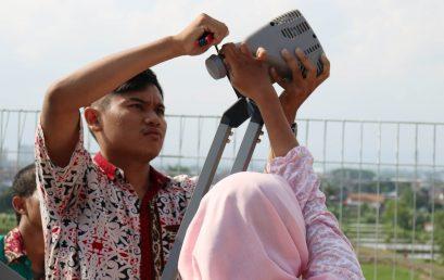 Mahasiswa Program Studi S1 Telekomunikasi IT Telkom Purwokerto Lakukan Simulasi Pemasangan VSAT IP dan Pointing Antena Parabola